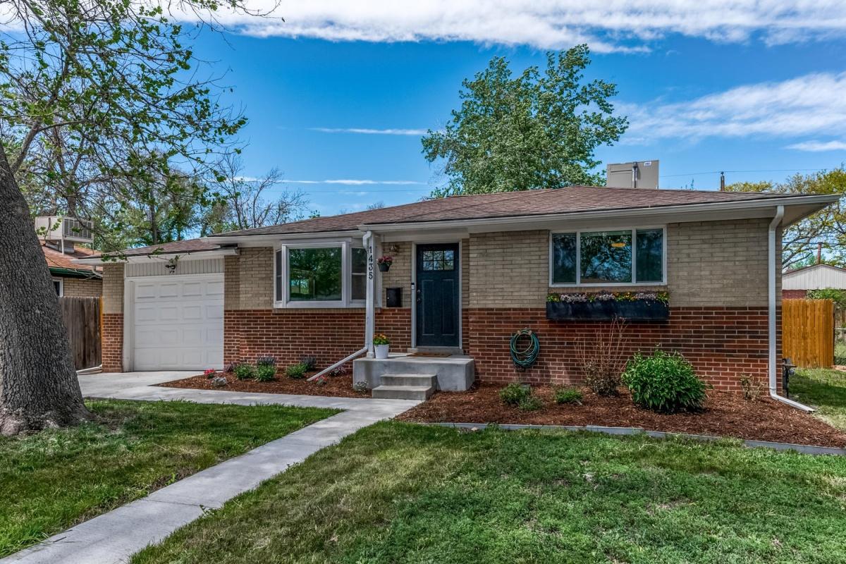 Benton 1435 St, Lakewood, Colorado 80232, 4 Bedrooms Bedrooms, ,2 BathroomsBathrooms,Single Family,Active Listings,1435,1062